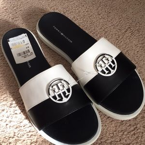 NWT Tommy Hilfiger Sandals